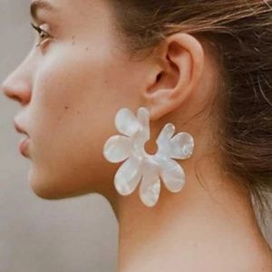 NEW Acrylic Earrings Large Flower Pearl Color Whit